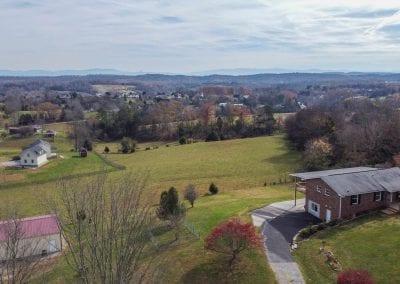 Aerial view of neighborhood/land